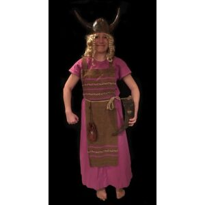 Vikingetid_kvinde_lilla